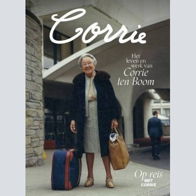 Corrie (glossy)